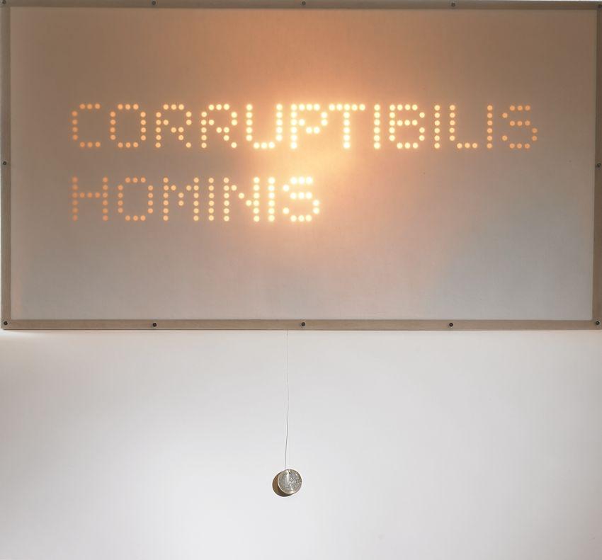 Corruptibilis Hominis 3