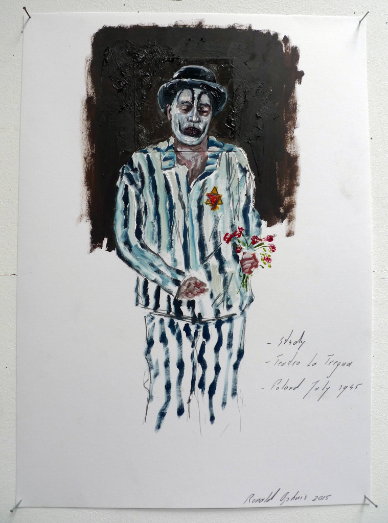 Clown with flowers. July 1945 Poland. Série Teatro La Tregua