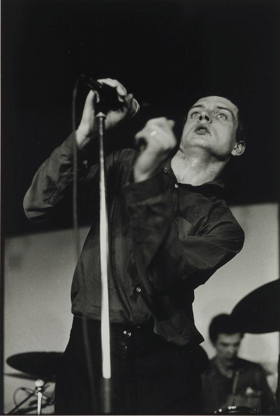 Ian Curtis – Joy Division, concert Bains Douches 18-12-1979